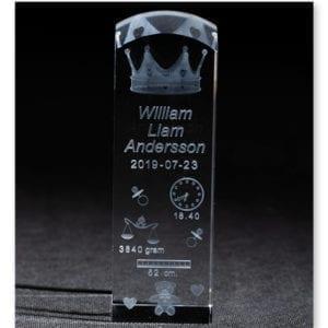 3D glasblock för dop med kongakrona